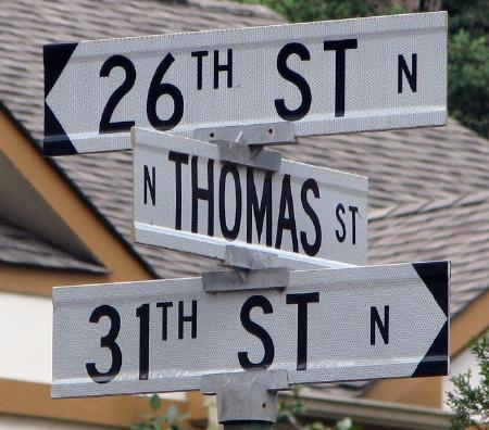 Road changes name from 26th Street to 31st Street at a single intersection